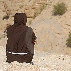 szerzetes sivatagban